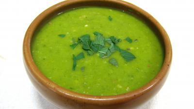 Epinards, carottes, poireau en velouté - recette - Soupes