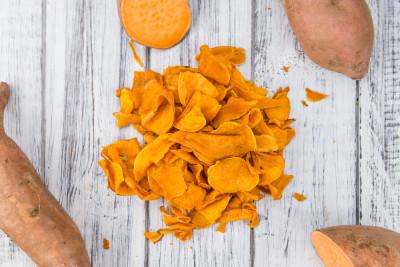 Beignets au bleu d 39 auvergne recette amuse bouche for Chips de patate douce au micro onde