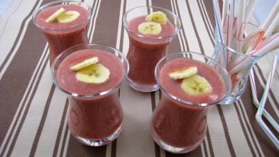 boisson fraises et bananes la mexicaine recette boissons supertoinette. Black Bedroom Furniture Sets. Home Design Ideas