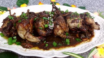 Cailles au vin rouge recette volailles et gibiers for Vin rouge cuisine