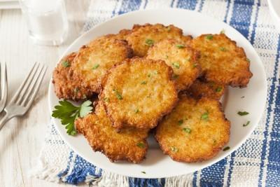 Beignets de pommes de terre la r unionnaise recette amuse bouche supertoinette - Cuisine reunionnaise recette ...