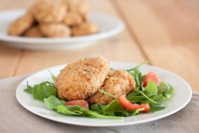 beignets de pommes de terre au saumon fum recette amuse bouche supertoinette. Black Bedroom Furniture Sets. Home Design Ideas