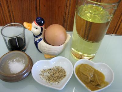 Sauce mayonnaise au batteur m langeur recette sauces supertoinette - Recette mayonnaise au mixeur ...