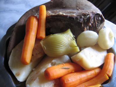 langue de boeuf en pot au feu supertoinette la cuisine facile
