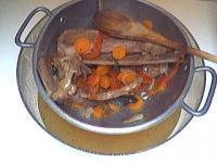 Bouillon de volaille maison recette soupes potages supertoinette - Consomme de boeuf maison ...