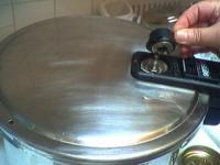 St rilisation au naturel de p ches en autocuiseur recette conserves supertoinette - Peches au sirop sans sterilisation ...